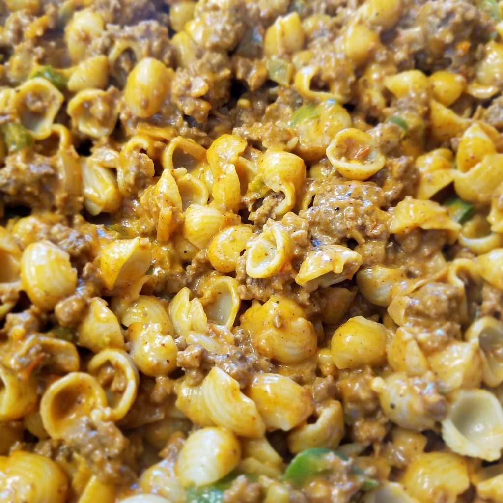This Chili Mac & Cheese uses simple ingredients, is perfect weeknight dinner idea and makes great leftovers for lunch.